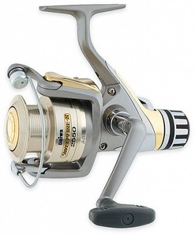 DAIWA SWEEPFIRE REAR DRAG SPIN REEL